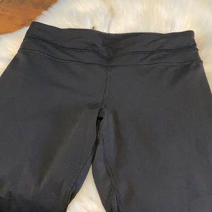 lululemon athletica Pants & Jumpsuits - Lululemon Capri legging size 6